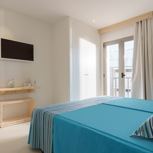 DOUBLE ROOM WITH BALCONY AND SEA Eolo Hotel