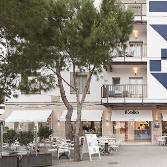 Facade Eolo Hotel